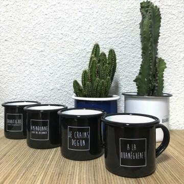 Tasses à café en métal émaillé